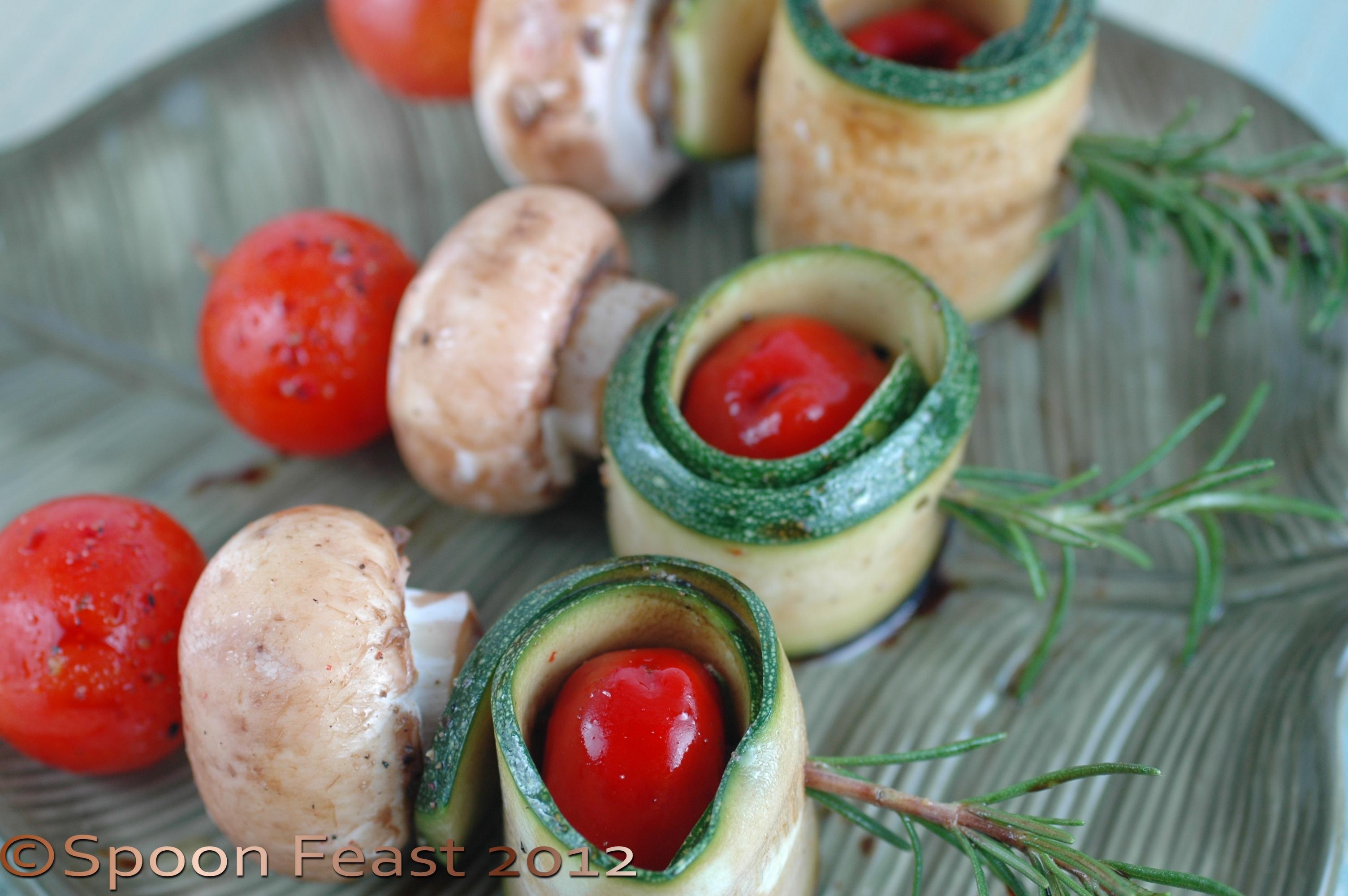 Raw vegetable skewers for Divan kebab carte